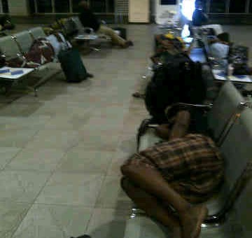 Air Nigeria mistreats passengers, leaves them sleeping on metal chairs overnight