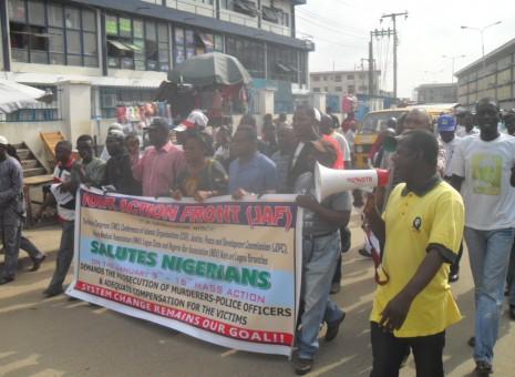 Police brutalise occupyNigeria activists in Lagos