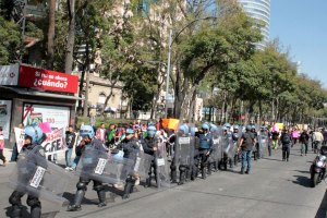 CON-GRANADEROS-RECIBE-CFE-A-COMUNEROS-DE-MILPA-ALTA-QUE-DENUNCIAN-CORRUPCION-DE-FUNCIONARIOS-6