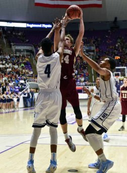 Austin Johnson and Viewmont knocked four-time champ Lone Peak out of the 2015 state tournament. (Photo by Dave Argyle, dbaphotography.com)