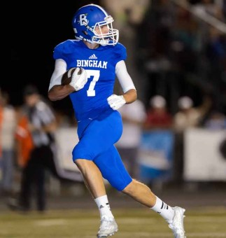 Sophomore Brayden Cosper caught three TD passes for Bingham. (Photo by Dave Argyle, dbaphotography.com)