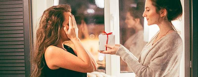 Ce-fel-de-cadouri-prefera-femeile