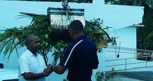 Eddie Manso, alcalde de Loíza inspecciona mejoras a escuelas. (Foto/Suministrada)