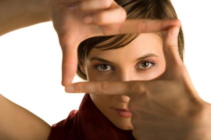 Mujer con mirada penetrante