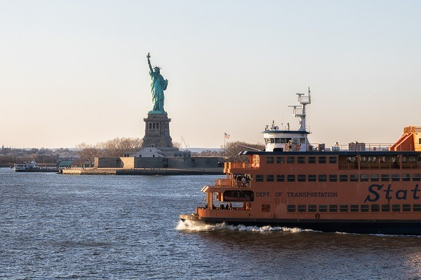 Staten Island Ferry Schedule Displays
