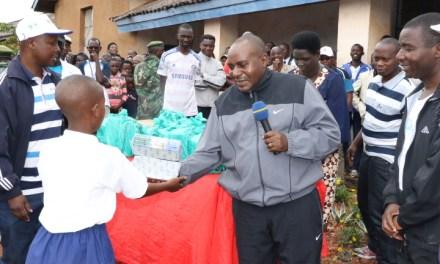 Les anciens de l'ex-Lycée Kibimba effectuent une descente spéciale à cette école