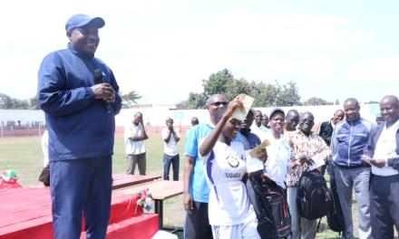 Le Deuxième Vice-Président de la République prime les meilleurs athlètes en province de Cibitoke