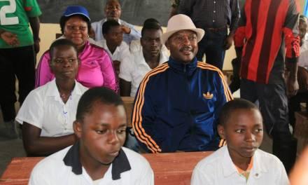 Son Excellence le Président de la République inaugure une école à trois niveaux à Mutimbuzi