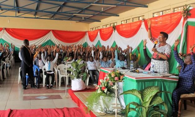 La Première Dame Denise Nkurunziza a cloturé ses enseignements aux jeunes de la Mairie de Bujumbura