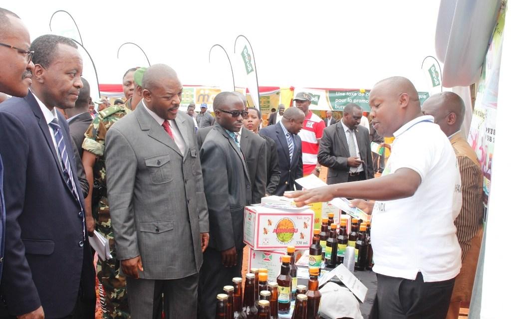 Son Excellence Pierre Nkurunziza présent à la foire dédiée à la journée du contribuable