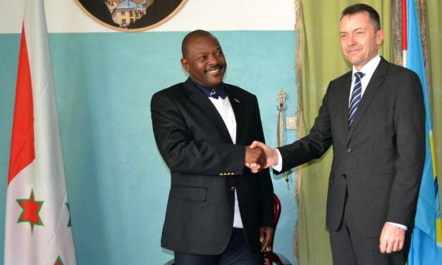 Son Excellence Pierre Nkurunziza reçoit le Président de la Configuration Burundi au sein Nations Unies