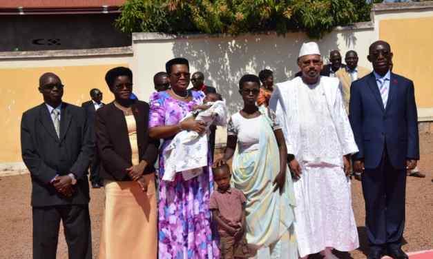 La Première Dame poursuit sa campagne sur la PTME et prise en charge pédiatrique au centre est du pays