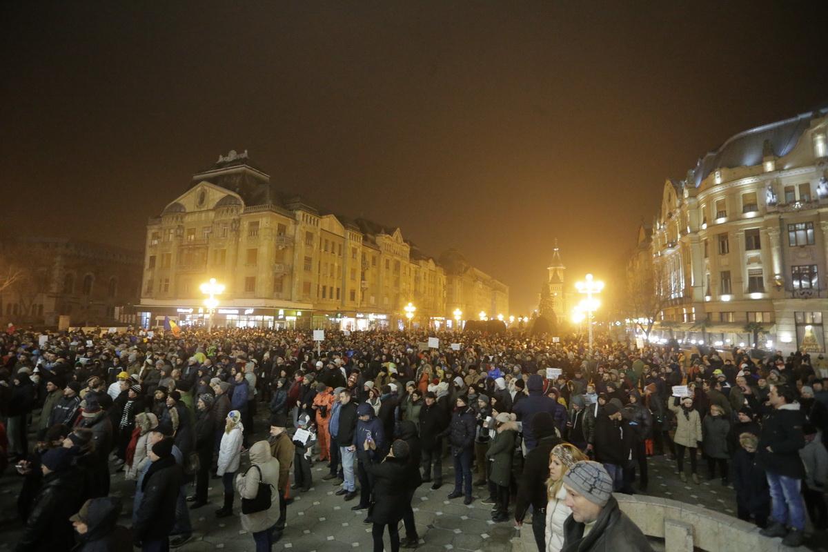 Imagini pentru proteste 22 ianuarie