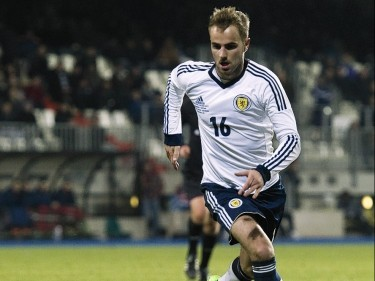 Graeme Shinnie looking to follow in brother's Scotland footsteps