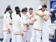 James Anderson, centre, and England won the first Test against Sri Lanka