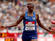Mo Farah claimed a dominant 5,000 metres victory