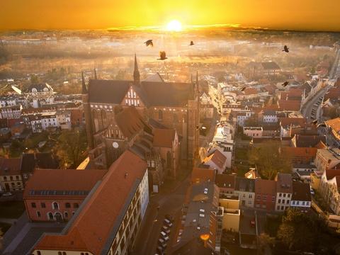 * Neue Welterbecard – Sachsen-Anhalt * Goslar – 25 Jahre Welterbe * Lübeck – 30 Jahre Welterbe * 300 Jahre Herkules in Kassel