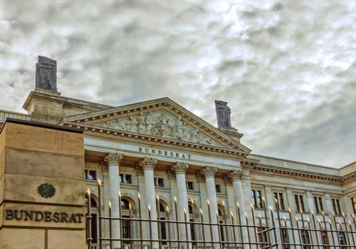 Nachbesserungen und Präzisierung nötig - Verstoß gegen Wettbewerbsrecht - Private Wetterdienste begrüßen den Beschluss des Bundesrates