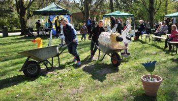 Am 1. Mai in den Zoo Kinderwagenparade, Imker-Start, Foto des Jahres - das Zoo-Frühlingsfest lockt mit vielen tollen Aktionen