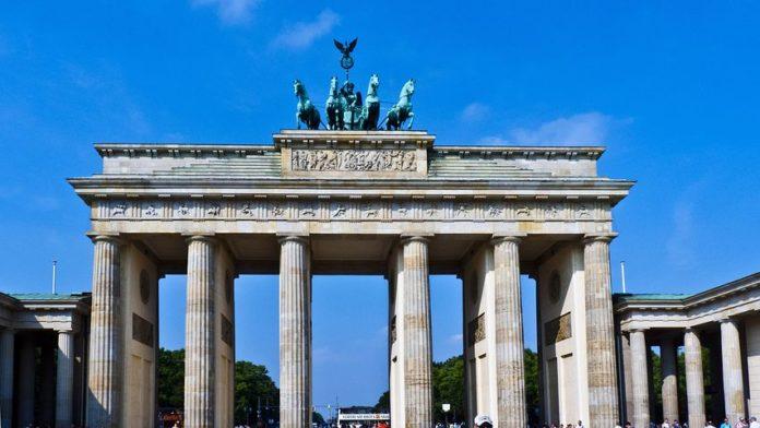 Brandenburger Tor: Platzeck kritisiert Senats-Entscheidung