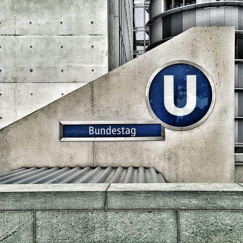 """Grosse-Brömer: Verdiente Ehrung für eine """"Mutter des Grundgesetzes"""""""