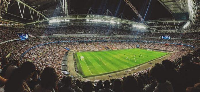 Die Königsklasse ab 2018 erstmals komplett im Pay-TV: Sky als Rechtenehmer und die Perform Group (DAZN) als Sublizenznehmer sichern sich umfangreiche Exklusivrechte an der UEFA Champions League