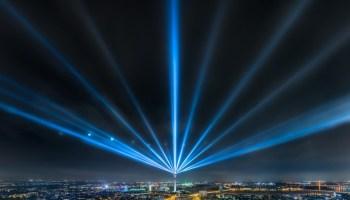 Rheinkomet leuchtet zum Grand Départ Düsseldorf 2017 Highlight für den Start der Tour de France in der Landeshauptstadt