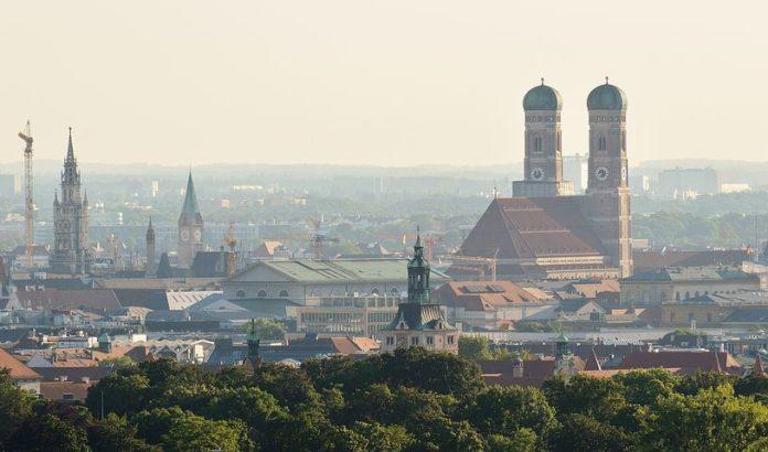 Politik, Umwelt, Auto, Dieselabgasgift, Luftqualität, Auto / Verkehr, Verkehr, NO2, Diesel-Fahrverbote, Stickstoffdioxid, Berlin
