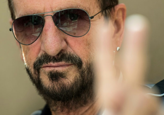 Ringo Starr ,Barry Gibb,Musik,Medien,Ritter, Hugh Laurie,Darcey Bussell ,Wiley zuteil