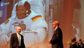 ESA-Astronaut,Dr. Alexander Gerst ,Berlin, Auszeichnung, Urania-Medaille 2017 ,Michael Müller,News