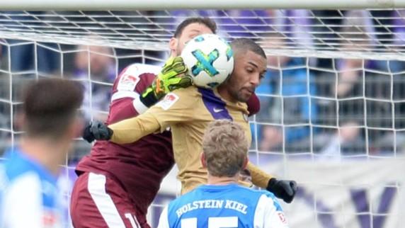 Fußball, Kenneth Kronholm,Aues Malcolm Cacutalua,Fußball-Bundesliga... ,News,Sport