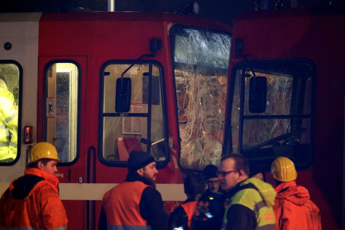 Unglück,News,Köln,Straßenbahn,Twitter,Kölner Verkehrsbetriebe