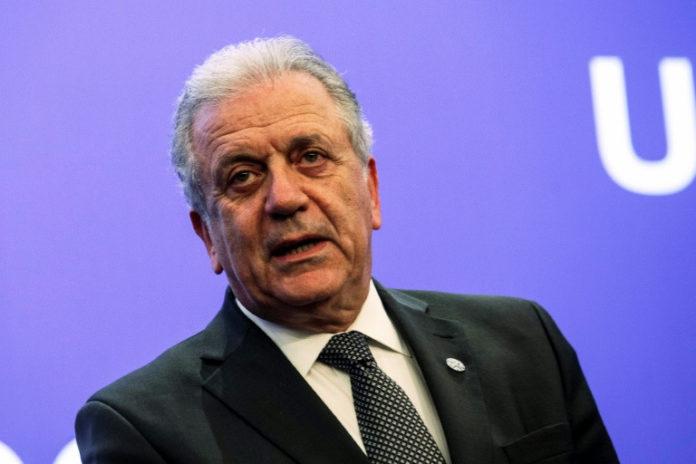 Dimitris Avramopoulos,Politik,Nachrichten,Flüchtlinge,Deutschland