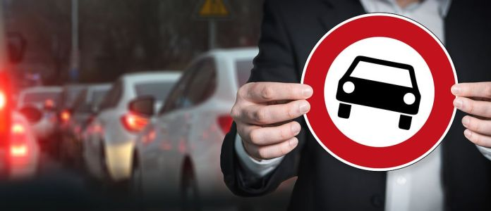 Fahrverbote , Verkehr, Klimaschutz, Umweltpolitik, Öl, Nachhaltigkeit, Politik, Umwelt, Naturschutz, ,Diesel-Fahrverbote,Diesel-Fahrverbote,CO2,Merkel,Politik,Berlin