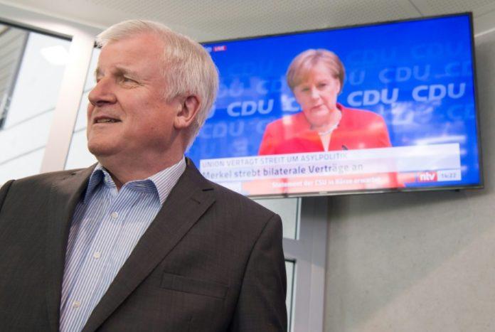 CDU, CSU,CDU und CSU,Politik,München,Flüchtlingspolitik,Horst Seehofer,Angela Merkel,Asylstreit