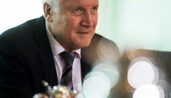 Asylpolitik,Horst Seehofer,CSU,Flüchtlingspolitik,Unionsstreit über die Asylpolitik,Politik,Berlin,Nachrichten