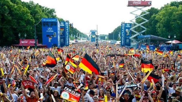 Partei, Politik, Sport, Interview, Fanmeile, Weltmeisterschaft, Frank Scheermesser, Fußball, Berlin