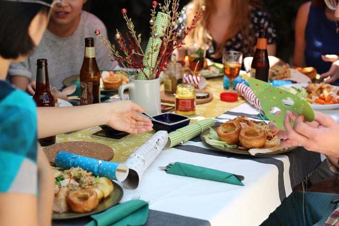 Essen mit Freunden:,Essen,Trinken, Computer,Telekommunikation, Medien,Kommunikation,Netzwelt,Vancouver,Nachrichten