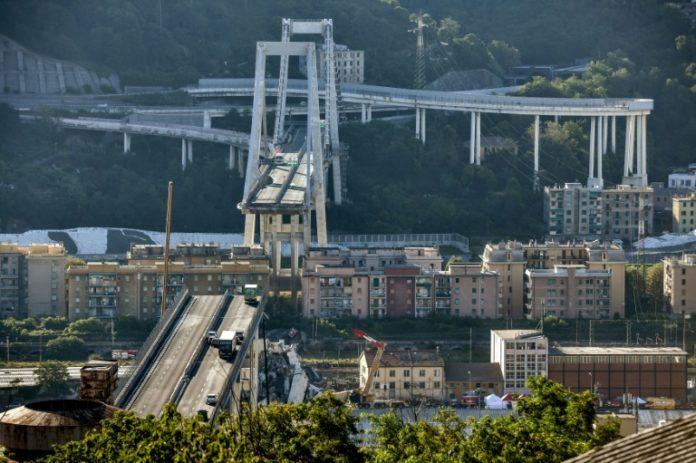 Brückeneinsturz in Genua,Matteo Salvini ,Genua, Auto,Verkehr,#A10,Rettungskräfte in Genua