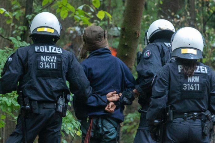 Hambacher Forst, Nachrichten,Baumhäuser, Köln,Wald,Braunkohletagebau, IG BCE, Michael Vassiliadis,