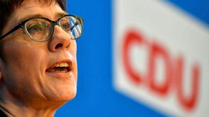 Annegret Kramp-Karrenbauer,Politik,Berlin,Nachrichten,Aktuelles,Flüchtlingspolitik,Flüchtlinge,CDU