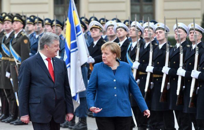 Russland,Ausland,Politik,Ausland,News,Presse,Bundeskanzlerin ,Angela Merkel ,Präsident, Petro Poroschenko
