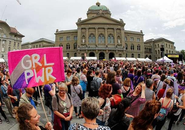 Frauen streiken in der Schweiz für mehr Gleichberechtigung