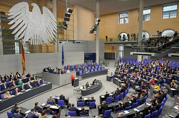 Bundestag,Berlin,Presse,News,Medien,Aktuelle,Kurzzeitpflege