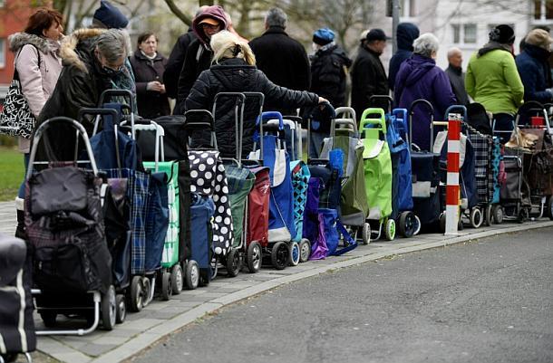 Berlin- Organisation sorgt sich um Lebensmittelversorgung für Bedürftige