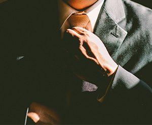 Krawatte im Büro ja oder nein