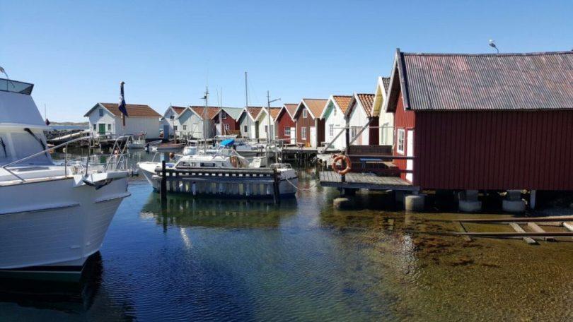 Skandinavien Schweden Bucht mit roten Häusern