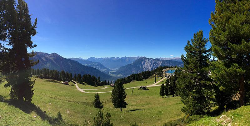 Wandern in Österreich Panoramablick im Hochoetz