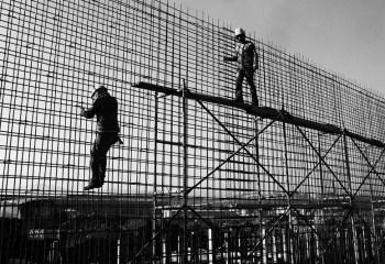 """İnşaat İşçileri """"inşa ve dayanışma"""" için Kobani'nin yolunu tuttu"""