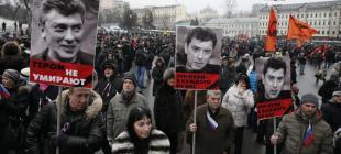 Moskova'da on binler Nemtsov için yürüdü